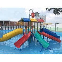 Cầu trượt khu vui chơi nước